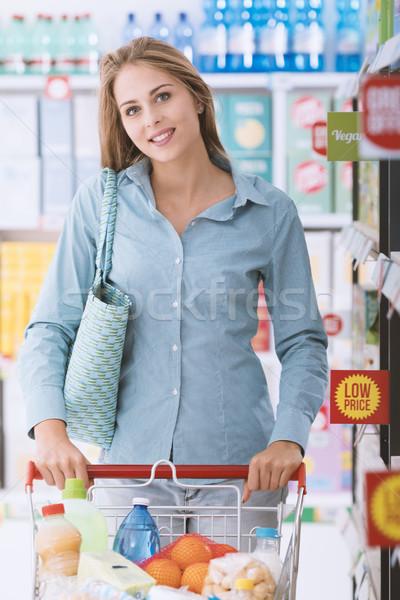 Zdjęcia stock: Zakupy · zniżka · sklepu · szczęśliwy · kobieta · popychanie