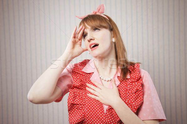 Kétségbeesett háziasszony szenvedés fejfájás retro női Stock fotó © stokkete