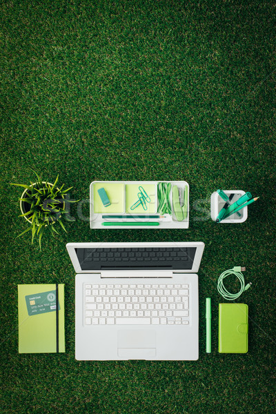 Business milieu laptop groene notebook Stockfoto © stokkete