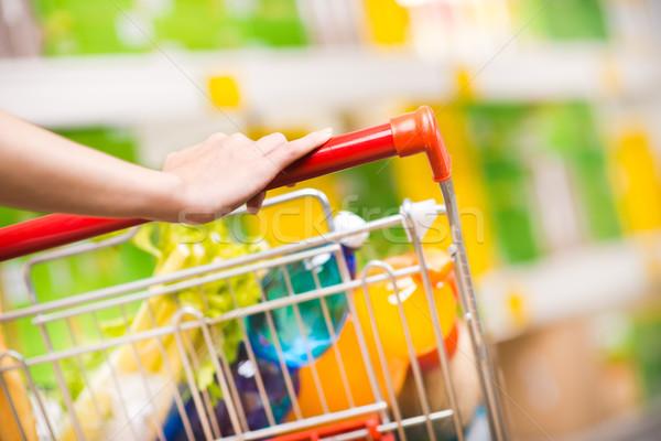 Foto stock: Mulher · supermercado · compras · mãos · armazenar · estilo · de · vida