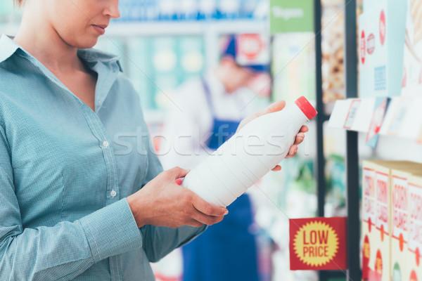 Stockfoto: Vrouw · lezing · voedsel · kruidenier · winkelen