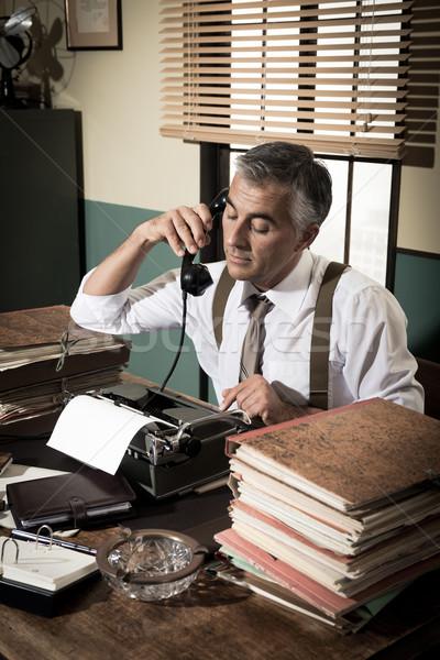 Bağbozumu gazeteci telefon profesyonel çalışma Stok fotoğraf © stokkete