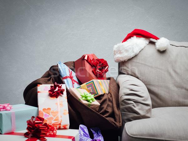 Christmas home laden kleurrijk geschenken zak Stockfoto © stokkete