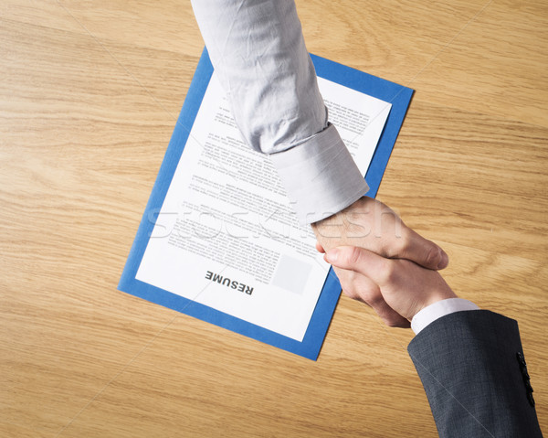 üzletember foglalkoztatott állásinterjú munkáltató kézfogás jelölt Stock fotó © stokkete