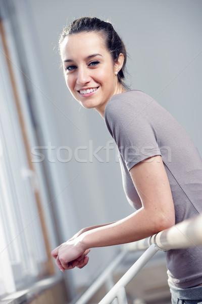 肖像 魅力的な 若い女性 行使 女性 ストックフォト © stokkete