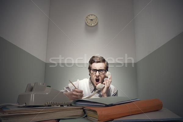öfkeli inek öğrenci adam telefon dağınık büro Stok fotoğraf © stokkete