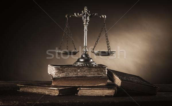 Oude zilver schaal boeken stilleven hardcover Stockfoto © stokkete