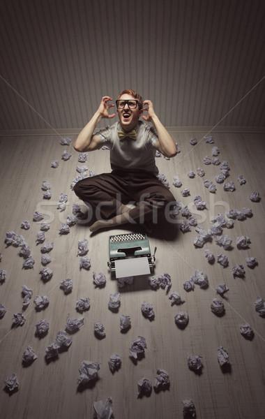 Csalódott férfi írógép újságíró sikít mérges Stock fotó © stokkete