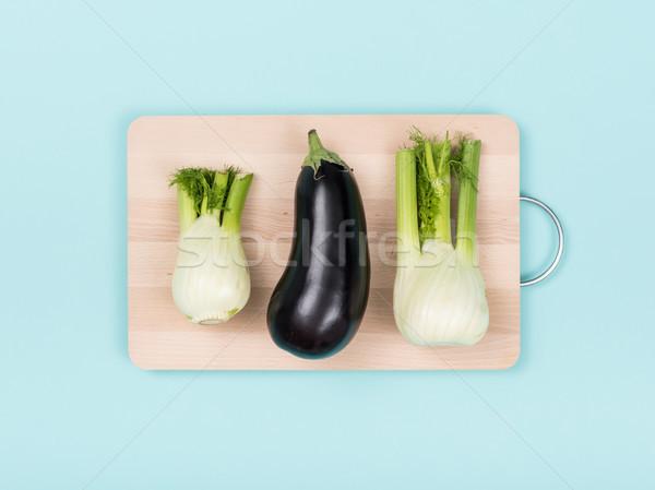 świeże bakłażan deska do krojenia przygotowania żywności zdrowe odżywianie Zdjęcia stock © stokkete
