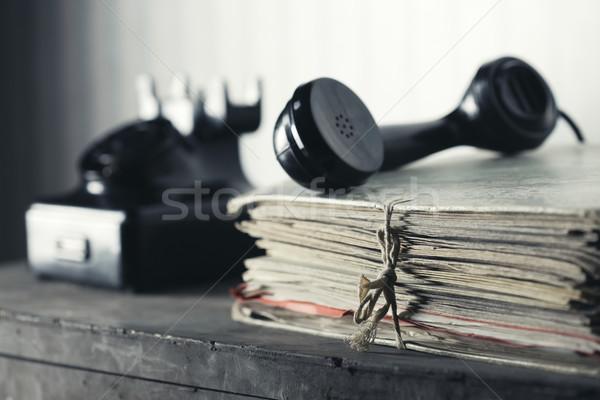 öreg telefon asztal iratok üzlet technológia Stock fotó © stokkete