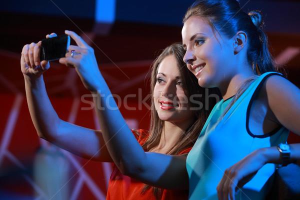 Dostluk iki mutlu kadın gece kulübü parti Stok fotoğraf © stokkete