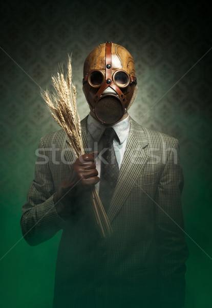 Fertőzött étel szennyezés férfi visel gázmaszk Stock fotó © stokkete