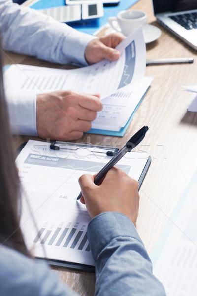 Business team zakenlieden team financiële Stockfoto © stokkete