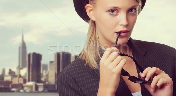 Moda bellezza bella giovani modello occhiali da sole Foto d'archivio © stokkete