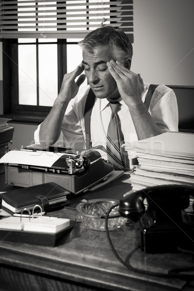 疲れ果てた レトロな 記者 頭痛 作業 ストックフォト © stokkete