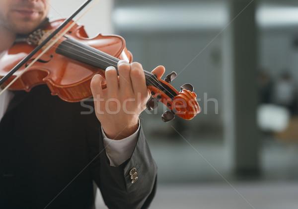 Tehetséges hegedűművész előadás klasszikus zene játékos copy space Stock fotó © stokkete