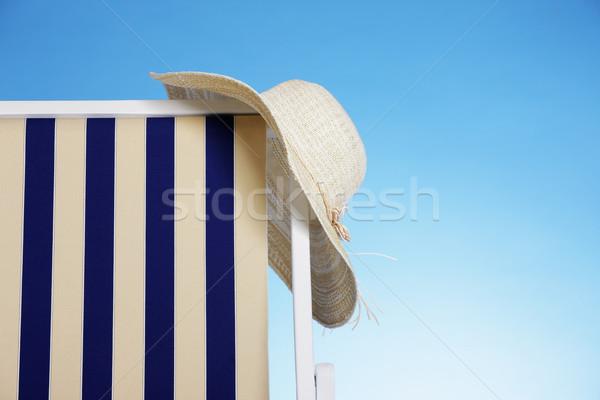 Yaz zaman hasır şapka şezlong kavram Stok fotoğraf © stokkete