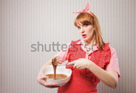 Huisvrouw jonge vrouw thee retro vrouwelijke jurk Stockfoto © stokkete