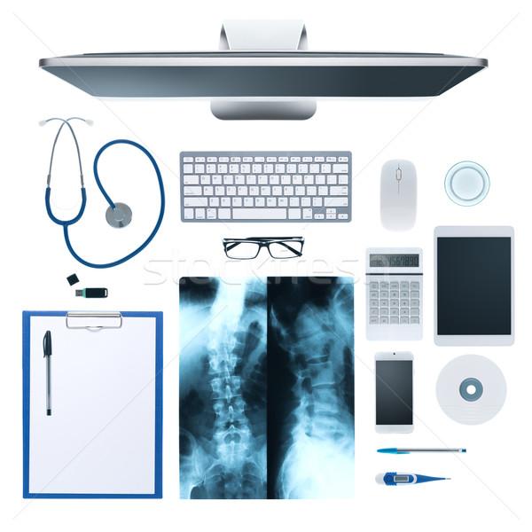 Médicos área de trabalho equipamentos médicos computador raio x humanismo Foto stock © stokkete