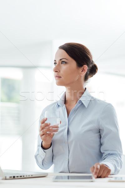 Business woman wody kobieta interesu posiedzenia Zdjęcia stock © stokkete