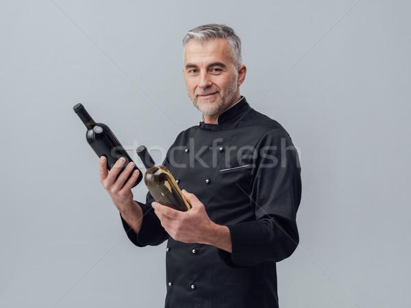 Stockfoto: Chef · kiezen · wijnfles · professionele · wijn · expert