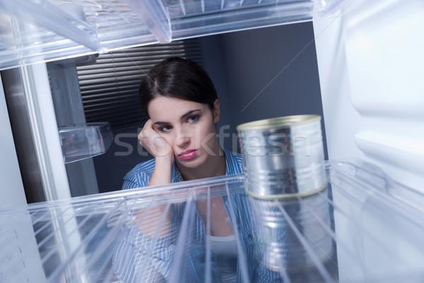 Zdjęcia stock: Pusty · lodówka · młodych · smutne · kobieta · patrząc
