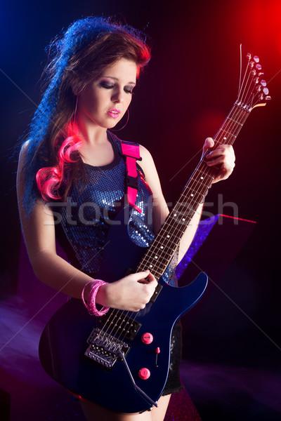 Młodych nastolatek star etapie rock star śpiewu Zdjęcia stock © stokkete