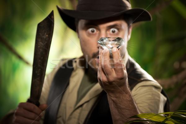 探險者 巨大 寶石 叢林 感到驚訝 商業照片 © stokkete