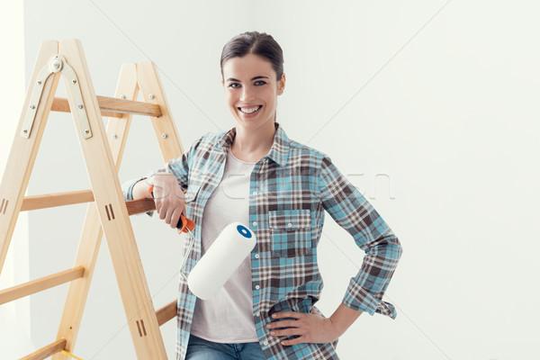 Foto stock: Mulher · jovem · pintura · casa · jovem · sorrindo