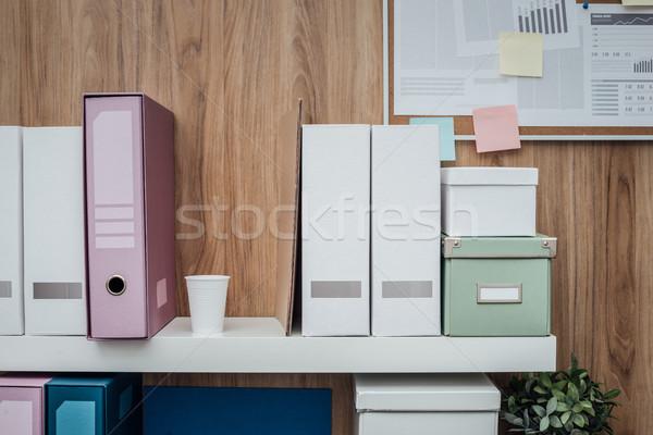 Bureau archive bien rangé plateau dossiers cases Photo stock © stokkete