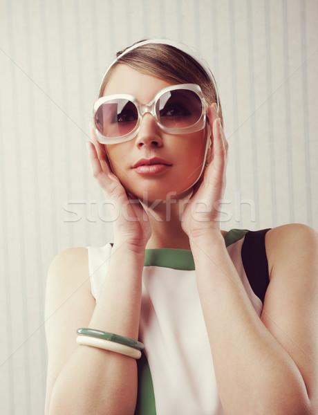 Stock fotó: Klasszikus · divat · portré · nő · retro · napszemüveg