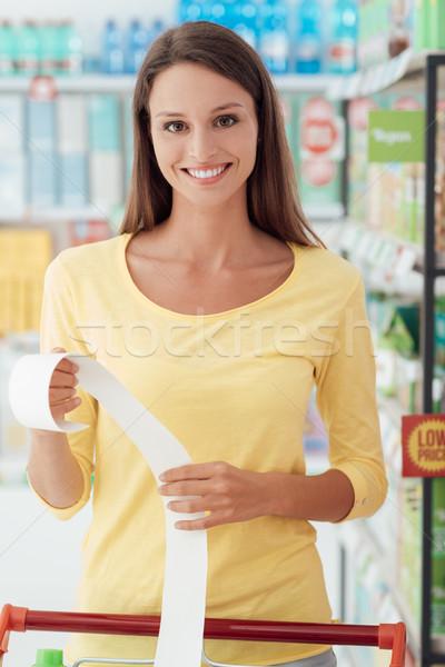 Felice donna alimentari ricevimento giovani donna sorridente Foto d'archivio © stokkete
