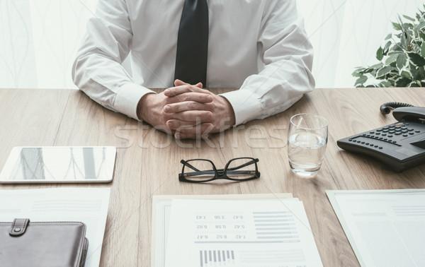 üzleti megbeszélés iroda igazgató ül hallgat kezek Stock fotó © stokkete