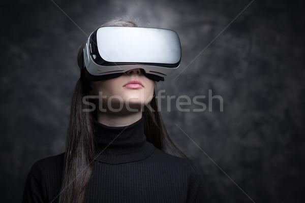 девушки гарнитура виртуальный реальность технологий Сток-фото © stokkete