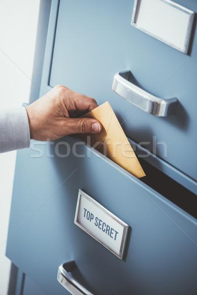 Depolama işadamı zarf üst gizli Stok fotoğraf © stokkete