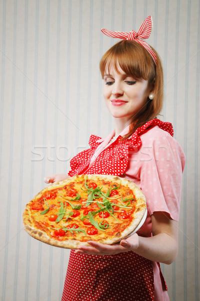 Zdjęcia stock: Wegetariański · pizza · młodych · gospodyni · domowa · obiad