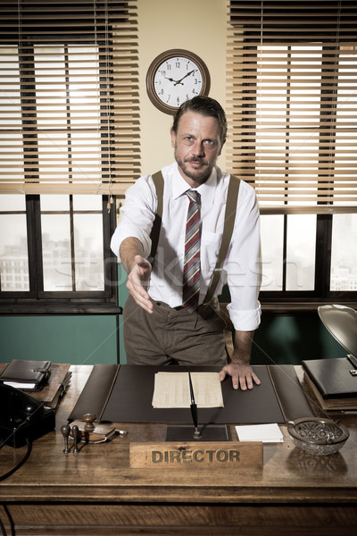 Handshake uśmiechnięty dyrektor biuro 1950 stylu Zdjęcia stock © stokkete