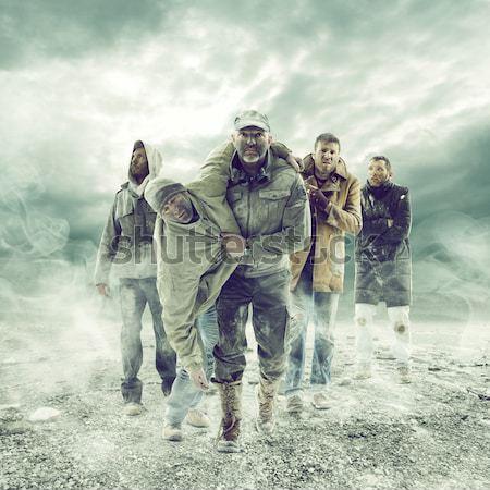 Escapar nuclear guerra homens medo masculino Foto stock © stokkete