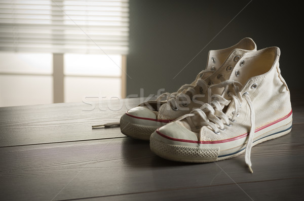 Blanche toile chaussures culture des jeunes style Photo stock © stokkete