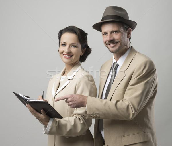 Vintage uśmiechnięty ludzi biznesu sekretarz dyrektor Zdjęcia stock © stokkete