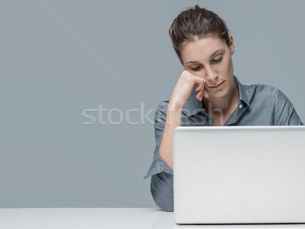 Müde Frau schlafen Büro Sitzung Stock foto © stokkete