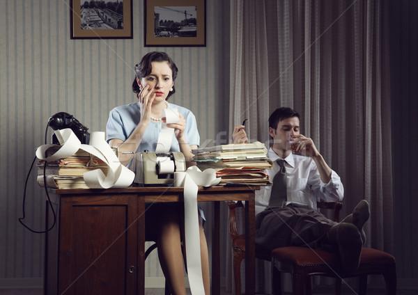 Adózás nő otthoni pénzügyek férfi nyugodt szék Stock fotó © stokkete