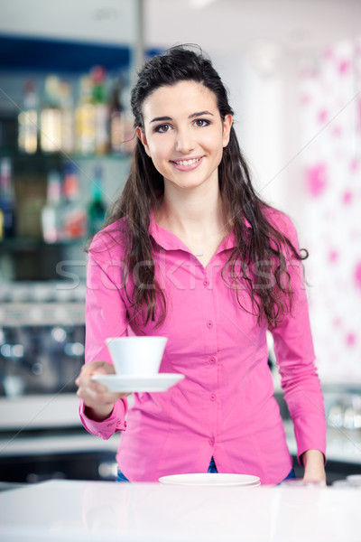 ウエートレス コーヒーショップ 笑みを浮かべて ホット ストックフォト © stokkete