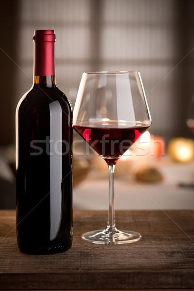 Foto d'archivio: Bicchiere · di · vino · bottiglia · ancora · vita · vino · rosso · vetro