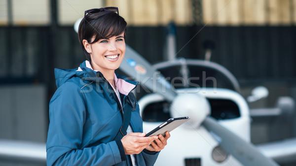 путешествия авиация приложения женщины экспериментального отъезд Сток-фото © stokkete