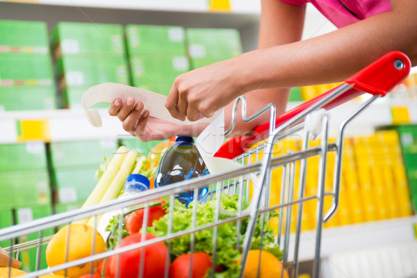 Drága élelmiszer számlák felismerhetetlen nő hosszú Stock fotó © stokkete