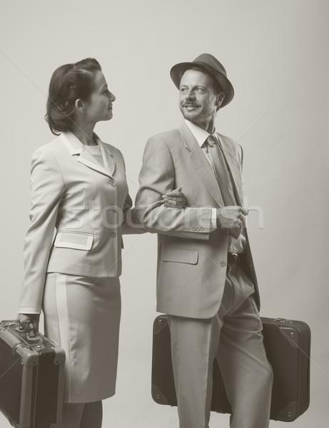Huwelijksreis elegante liefhebbend paar bagage 1950 Stockfoto © stokkete