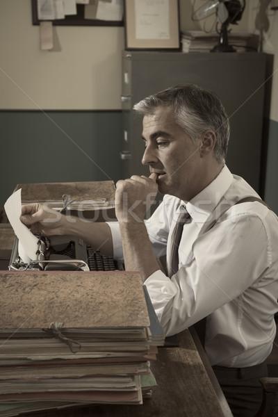 Journaliste rétro journaliste travail homme Photo stock © stokkete