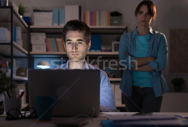Kapcsolat problémák nő bámul férj kapcsolódik Stock fotó © stokkete