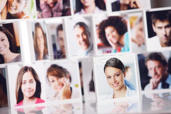 Foto stock: Sonriendo · personas · red · social · retratos · grupo · de · personas · retrato